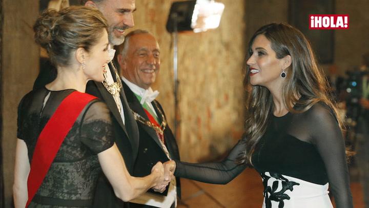 \'Duelo\' de estilo entre Doña Letizia y Sara Carbonero