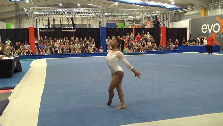 Simone Biles se clasifica para su quinto Mundial de gimnasia consecutivo