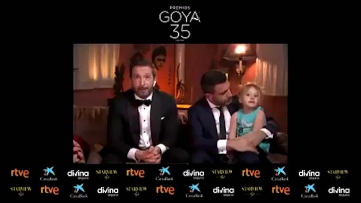 La hija de Salvador Calvo, director de \'Adú\', una simpática espontánea en los Goya