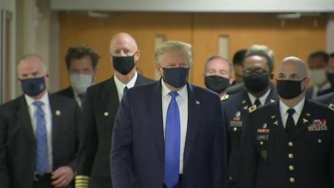 Trump usa mascarilla mientras se aceleran contagios por coronavirus en el mundo