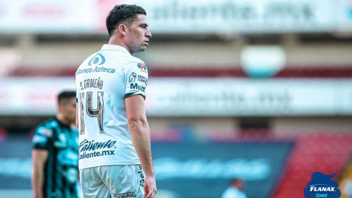 Santiago Ormeño anotó un gol en triunfo del Puebla e ilusiona a hinchas peruanos