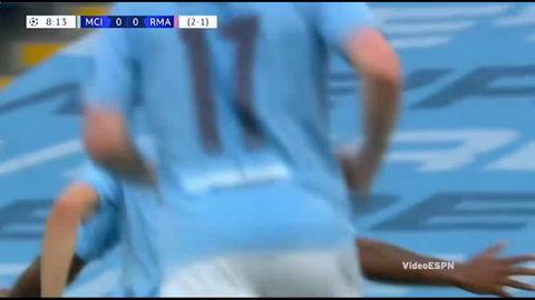 Error de Raphael Varane le da la ventaja al Manchester City (Champions League 2020)