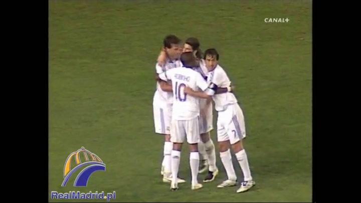 Sergio Ramos se sacó la camiseta en homenaje a Antonio Puerta (Real Madrid-Villarreal, 5 septiembre 2007)