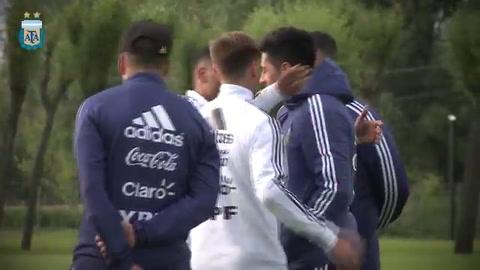 Enzo Pérez llegó a Rusia y se sumó a la selección