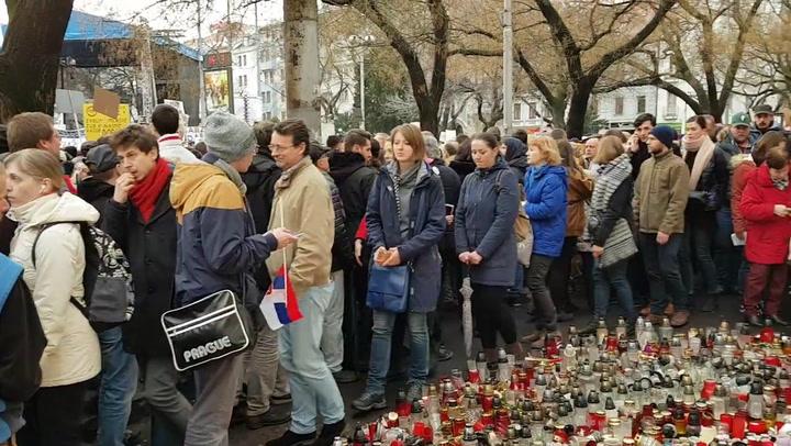 1. Pozsonyi kormányellenes tüntetés és megemlékezés Ján Kuciak tényfeltáró újságíró meggyilkolását követően