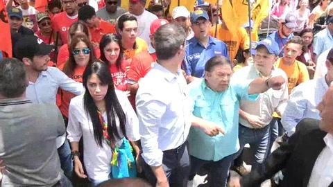 Guaidó pide a los colombianos no hacer