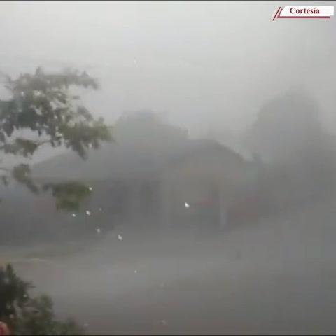 Casas sin techo y momentos de zozobra por fuerte tormenta en Santa Bárbara
