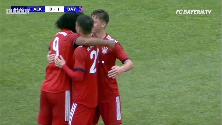 Joshua Zirkzee's Stunning Free-Kick For Bayern U19