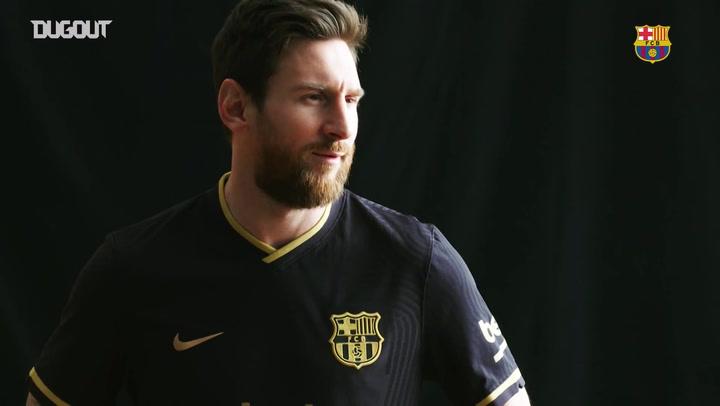 برشلونة يكشف عن قميصه الثاني لموسم ٢٠٢٠-٢٠٢١