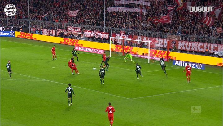 Joshua Zirkzee makes instant impact vs Wolfsburg