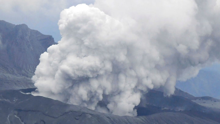 นาที ภูเขาไฟระเบิด ภูเขาไฟอาโสะ บนเกาะคิวชูในญี่ปุ่น เกิดปะทุรุนแรง