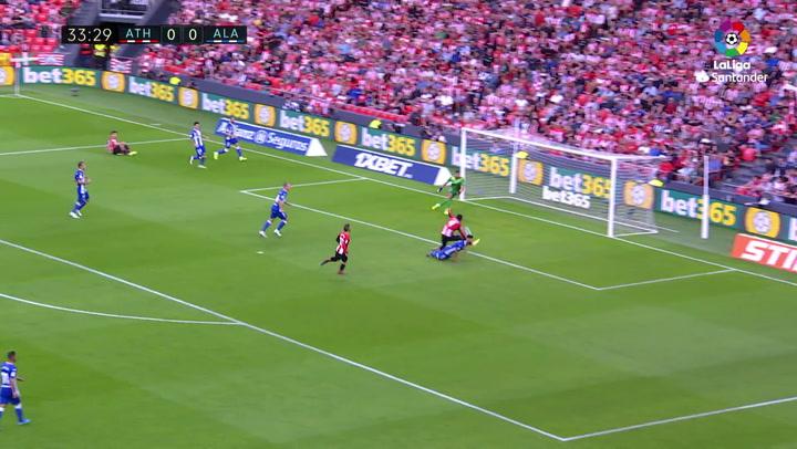 Gol de Raúl García (p.) (1-0) en el Athletic-Alavés