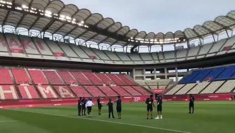 La Sub 23 de Honduras reconoce la cancha del Ibaraki Stadium