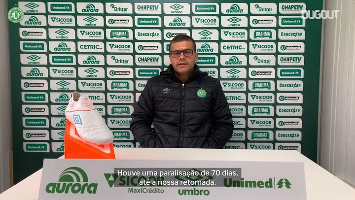 Umberto Louzer expica preparação da Chape para volta do Catarinense