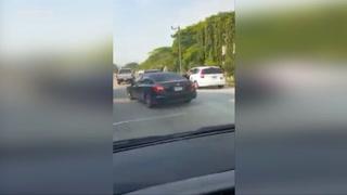 Se hace viral video donde conductor golpea a taxista en San Pedro Sula