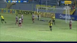 Tenía todo para ser gol: Del palo salvador al fallo de Rony Martínez ante Vida