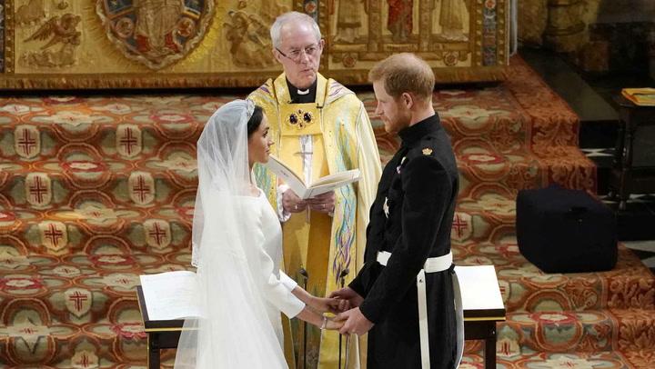 Los votos que pronunciaron el príncipe Harry y Meghan Markle entre miradas de amor