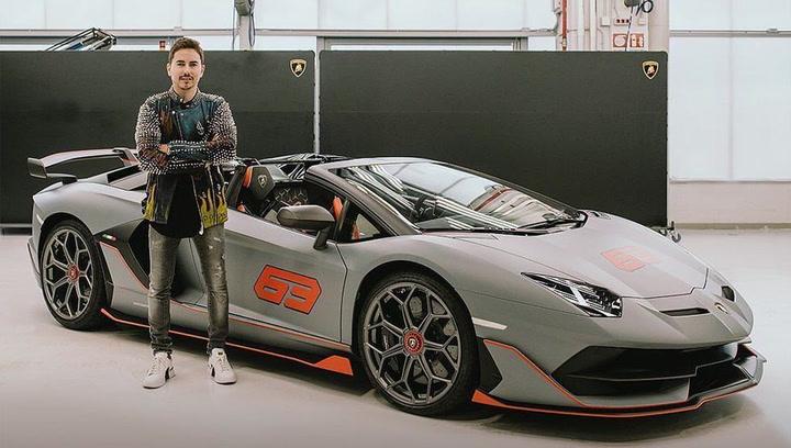 Nuevo 'juguetito' para Lorenzo de casi 700.000€: el Lamborghini Aventador SVJ 63 Roadster