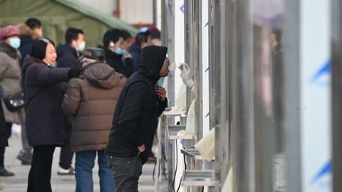 Los internautas de China critican los test rectales para detectar el covid-19