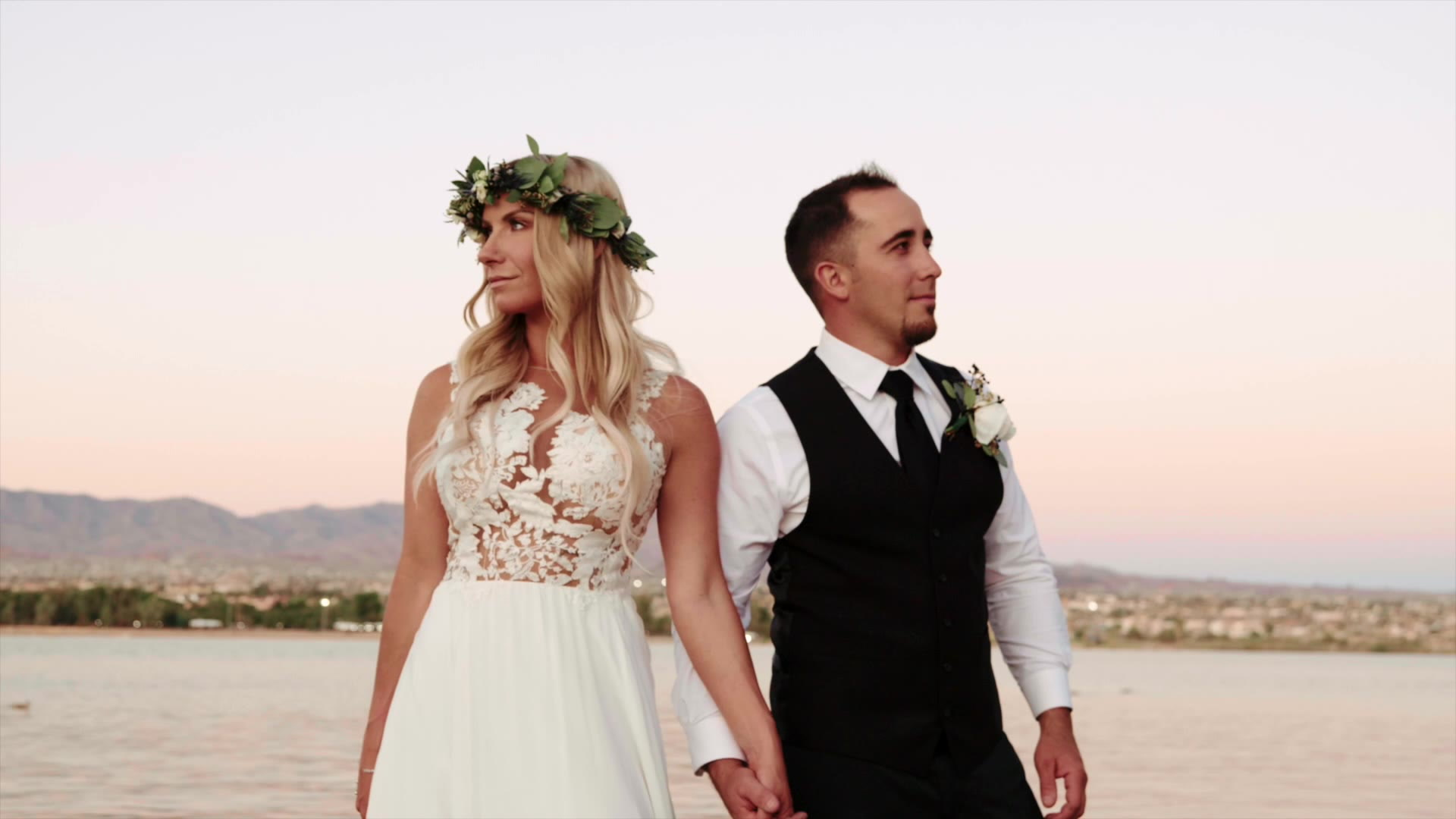 Kaley + Mark | Lake Havasu City, Arizona | Nautical Beachfront Resort