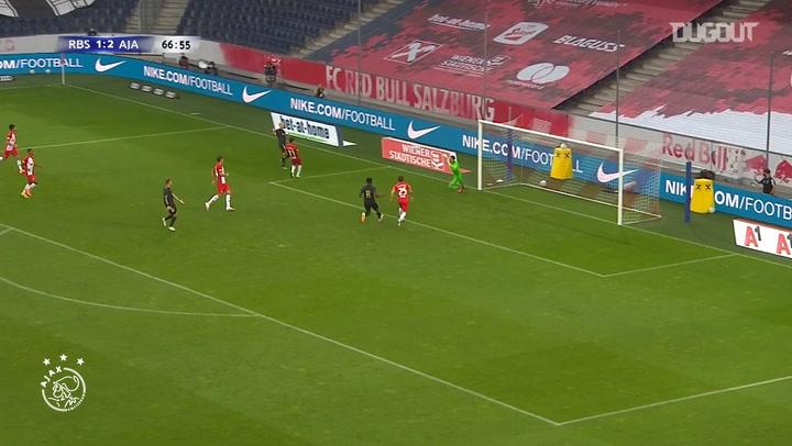 Donny van de Beek curls home in pre-season victory