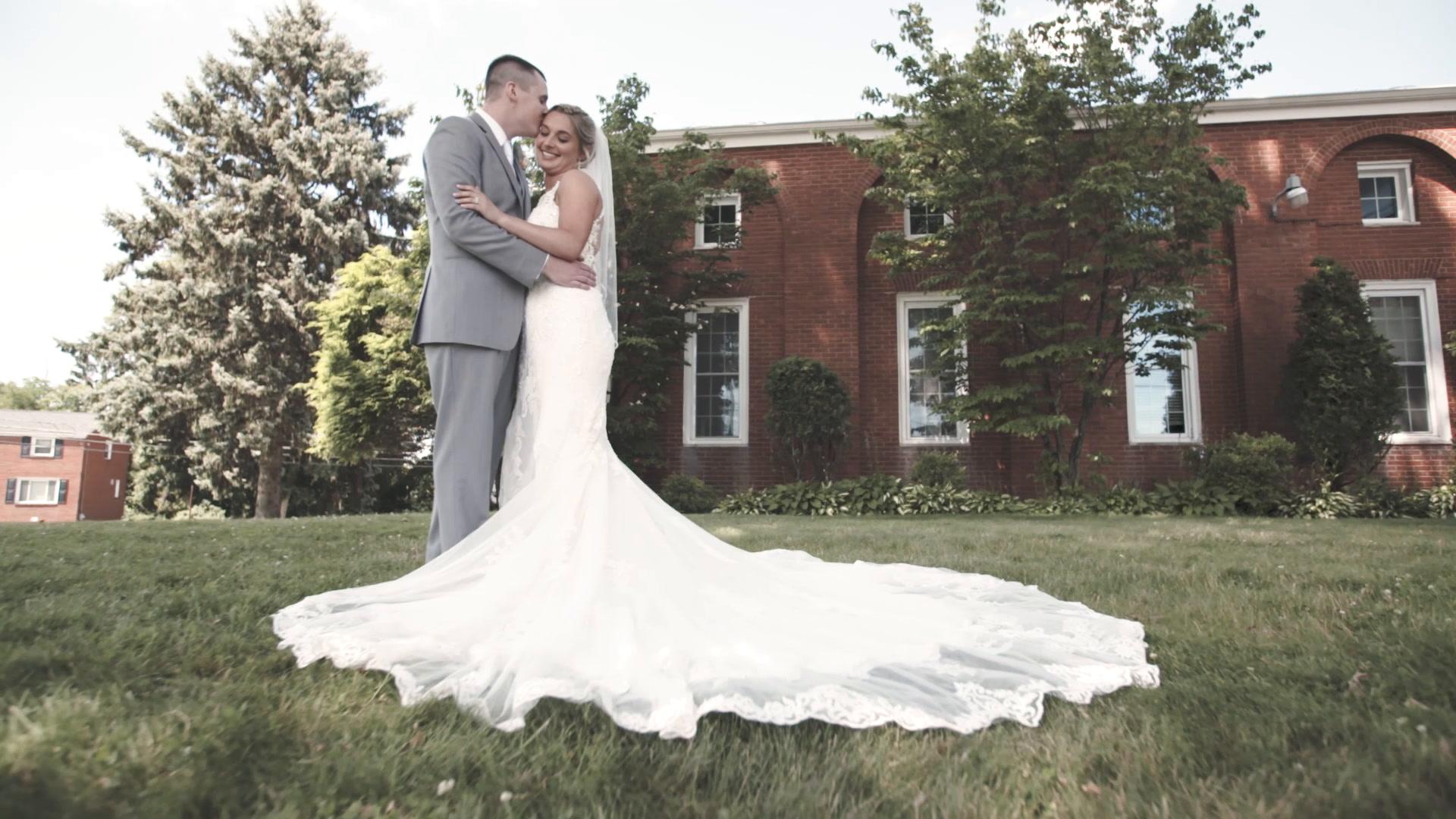 Stephanie + Dan | Elizabeth, Pennsylvania | The Sunset Room