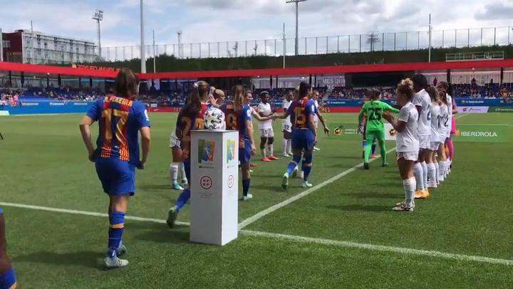 El Madrid CFF hace el pasillo al Barça por el triplete histórico