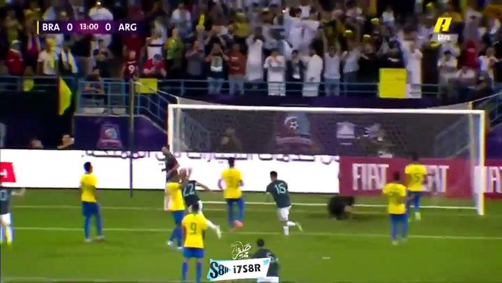 Messi anotó ante Brasil tras errar un penalti