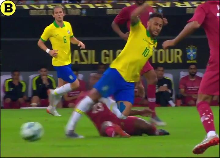 Instante en que Neymar se lesiona ante Qatar
