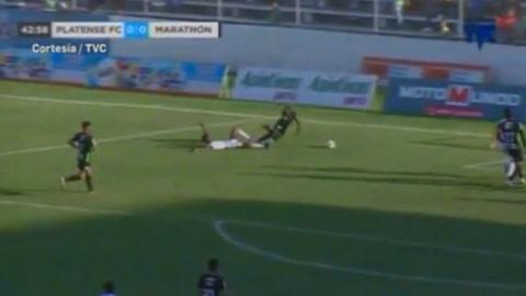 Yustin Arboleda anota de penal 1-0 para Marathón ante Platense