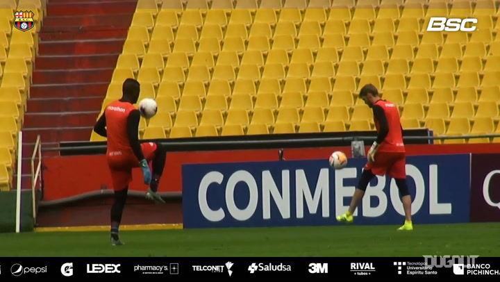 Barcelona SC train ahead of their game vs Flamengo