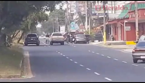 VÍDEO: Captan momento en el que sujetos asesinan a dos hombres en San Pedro Sula