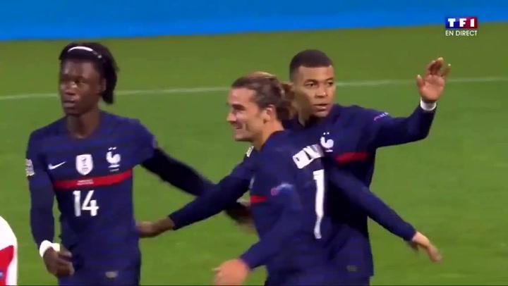 Mbappé, a pase de Digne, marcó el gol de la victoria francesa ante Dinamarca