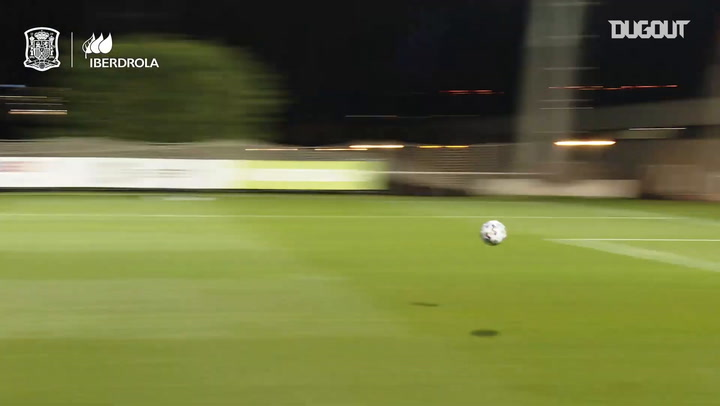 Great saves in Spain women's training