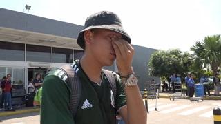Fanático hondureño del Santos rompe en llanto al conocer a los jugadores
