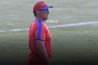 Pedro Troglio aclara sobre supuesta pelea con Beckeles y de los jugadores en reservas