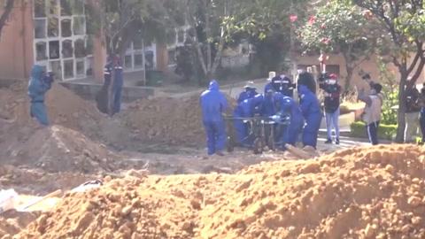 Cementerio boliviano habilita más tumbas tras quejas por muertos acumulados en casas
