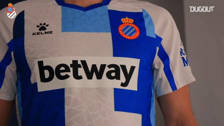 El RCD Espanyol presenta la camiseta de su 120 aniversario
