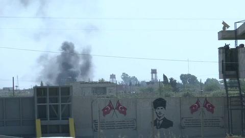 Intensos combates entre fuerzas turcas y kurdas para el control de una ciudad clave en Siria