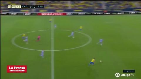 La terrible acción antideportiva de Busquets que evitó el gol del 'Choco' Lozano