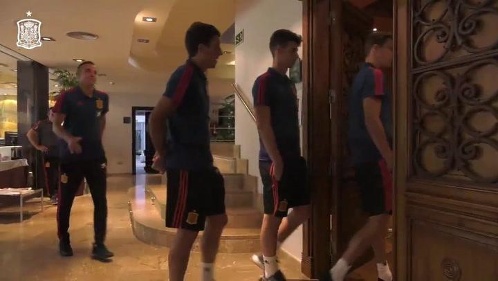 La Selección se reune en el hotel de concentración antes del partido ante Islas Feroe