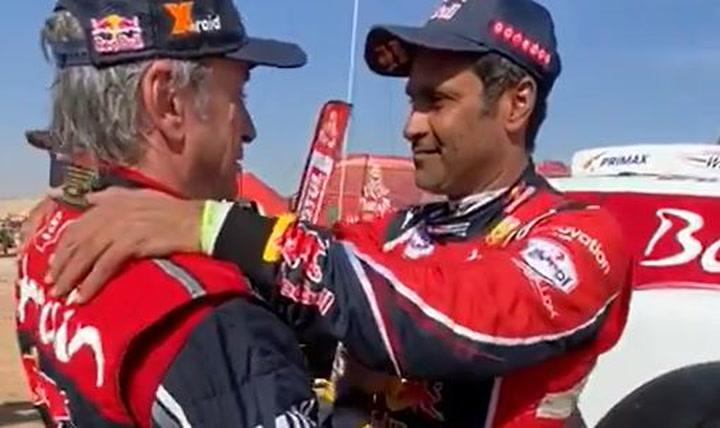 Al-Attiyah, uno de los primeros en felicitar a Carlos Sainz