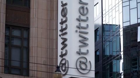 Twitter cierra miles de cuentas de noticias falsas en todo el mundo