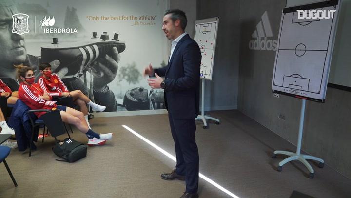 La charla de Jorge Vilda a sus jugadoras antes del partido ante Polonia