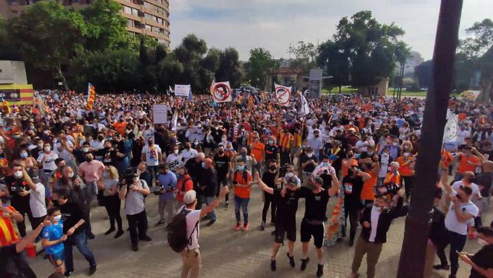 Manifestación contra los propietarios del Valencia CF