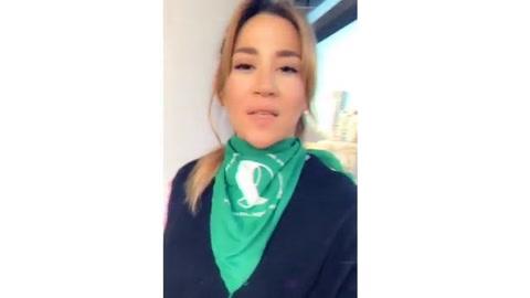 Jimena Barón activa Instagram desnuda y a favor del aborto