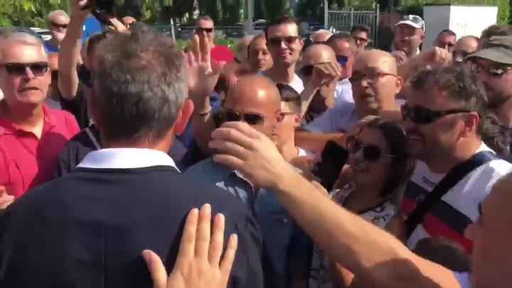 Mihajlovic recibió los ánimos de la afición del Bolonia tras anunciar su leucemia