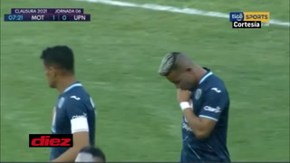 ¡Marco Vega de derecha pone a Motagua a ganar ante UPNFM en el estadio Nacional!