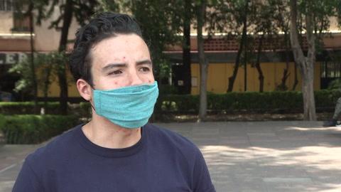 El cuentacuentos que entretiene a niños confinados por la pandemia en México