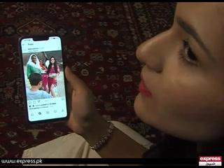 لاہورکی رہائشی 20 سالہ علینا اظہرکوان کی سماجی خدمات کے اعتراف میں برطانیہ کی ایک غیرسرکاری تنظیم کی طرف سے لیڈی ڈیانا ایوارڈ سے نوازاگیاہے